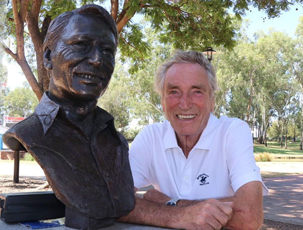 Frank Ifield with the newly unveiled bust