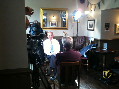 Fred Dinenage interviews Frank Ifield for Meridian Tonight